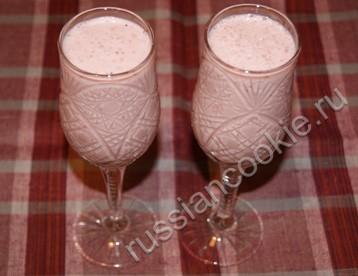 Молочный фруктовый коктейль.  Напитки.  Показывать по.  2. 1. Автор.
